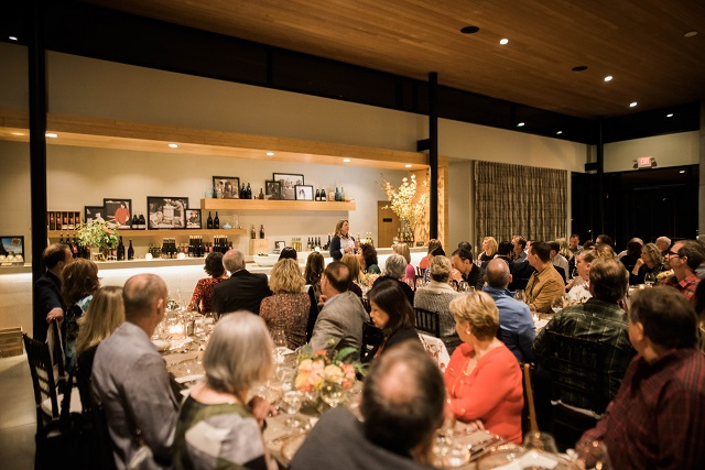 Winemaker Luisa Ponzi addresses a comfortably elegant crowd at the 2017 Harvest Dinner